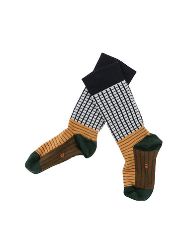 grid & lines high socks(4y 마지막수량)
